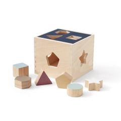 Cube avec formes à encastrer