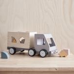 Camion avec formes à encastrer